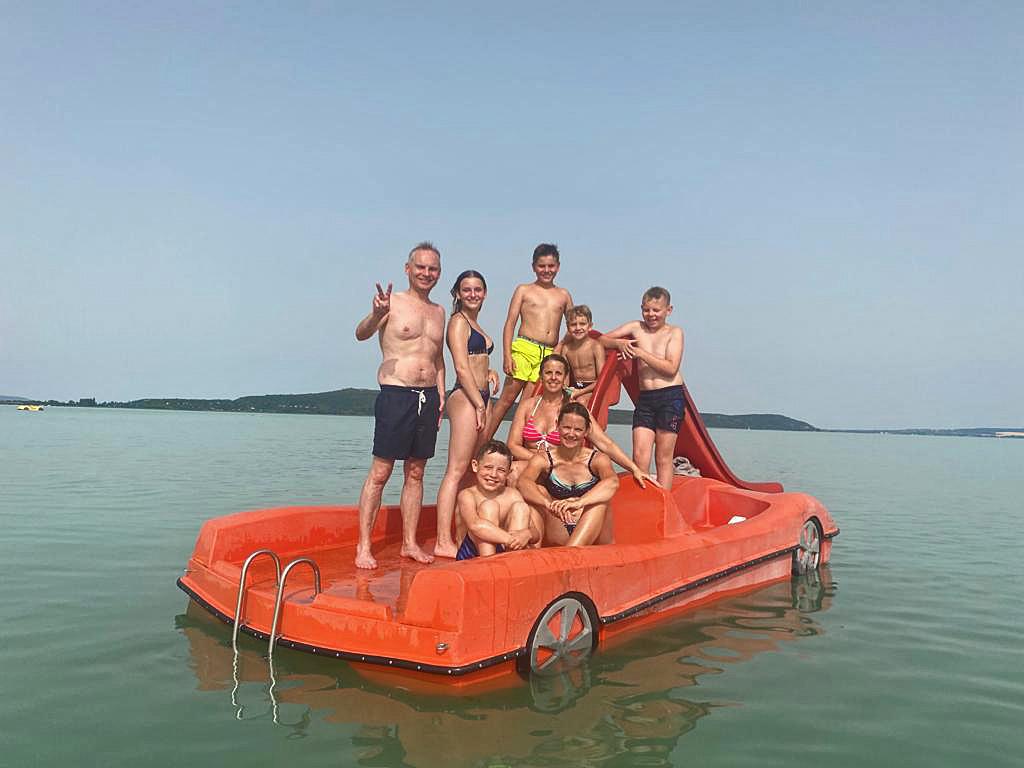 Huur eens een waterfiets plezier voor het hele gezin