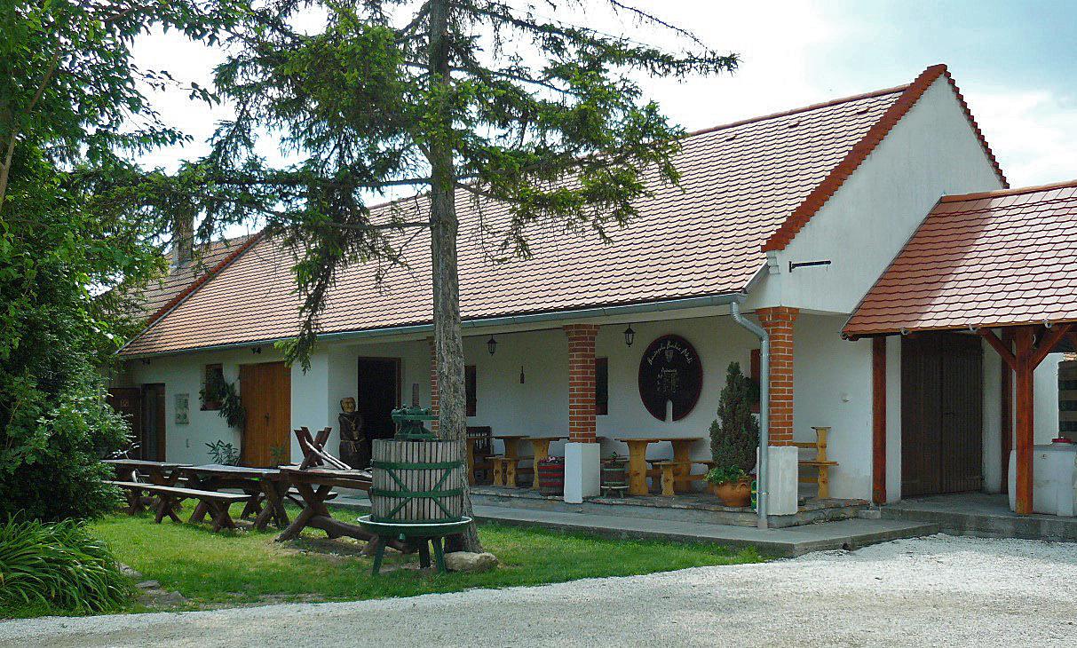 Wijnhuis Nagy Imre wijnproeverij en verkoop van wijnen