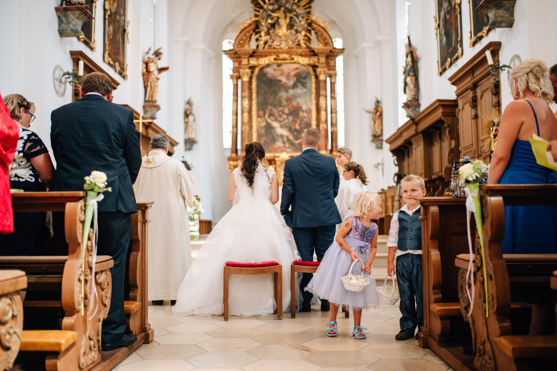 St. Emmerald Spalt, kirchliche Trauung Spalt, Herzfotografie, Hochzeitsfotografie, Fotograf Hochzeit Spalt