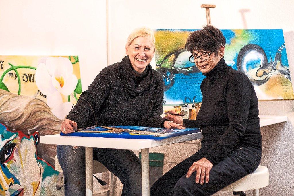 Anke Ryba und Magdalena Washington verwirklichen sich ihren Lebenstraum. In Mühlheim richten die beiden ein Atelier ein – die Kunstwerkstatt. Sulz-Mühlheim. Ryba und Washington könnten nicht unterschiedlicher sein – die eine blond und Ur-Mühlheimerin, di
