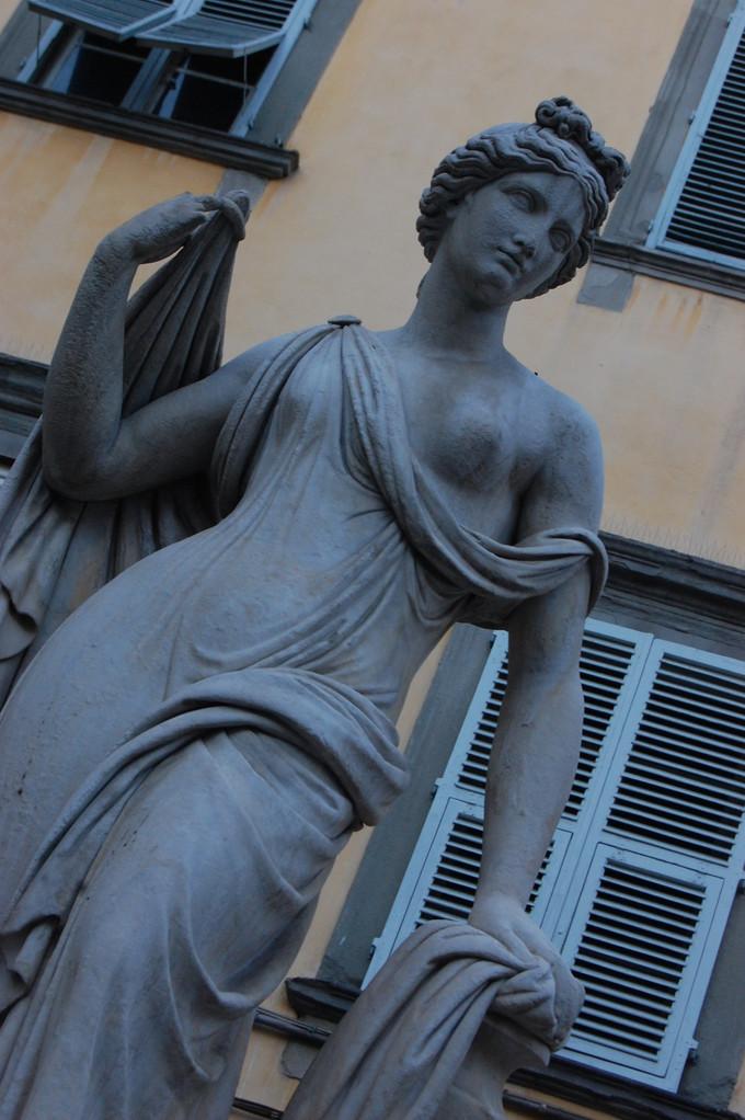 A statue