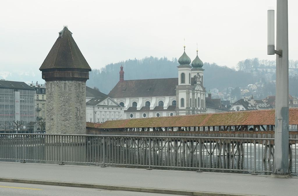 Mitten durch Luzern