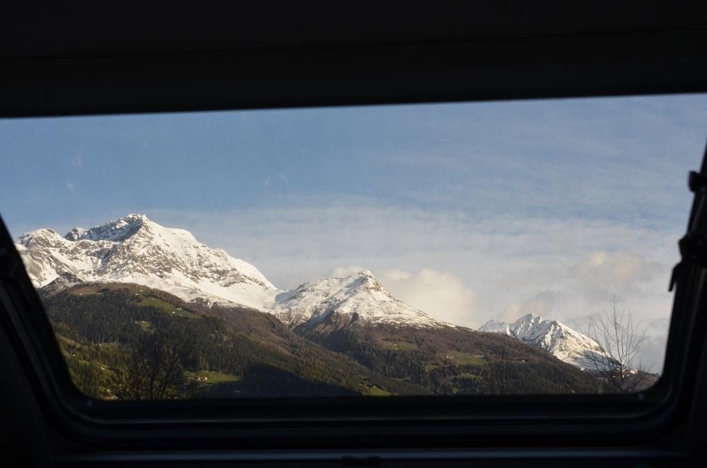 ...sieht man Schneeberge. Schön!