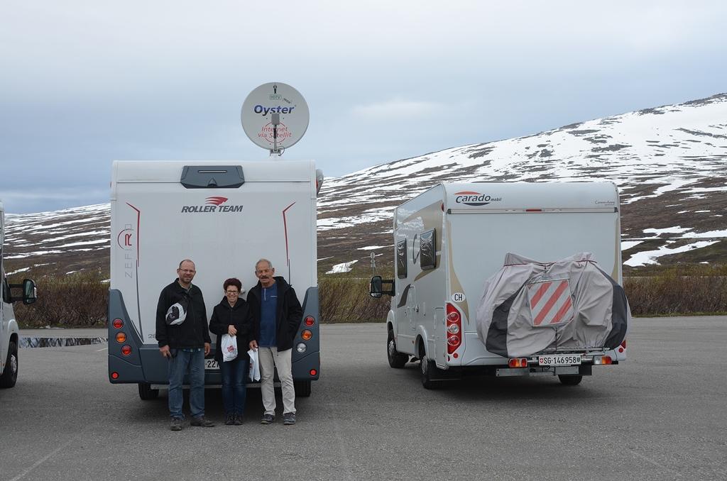 Zwei CH-WoMo's am Polarkreis