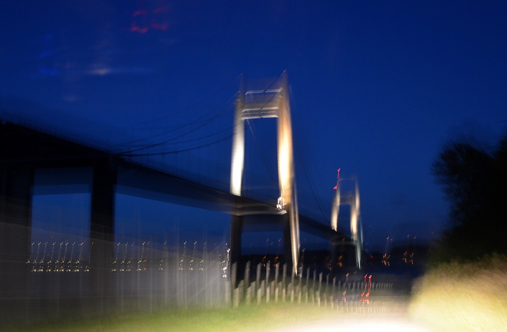 Ankunft unter der Brücke