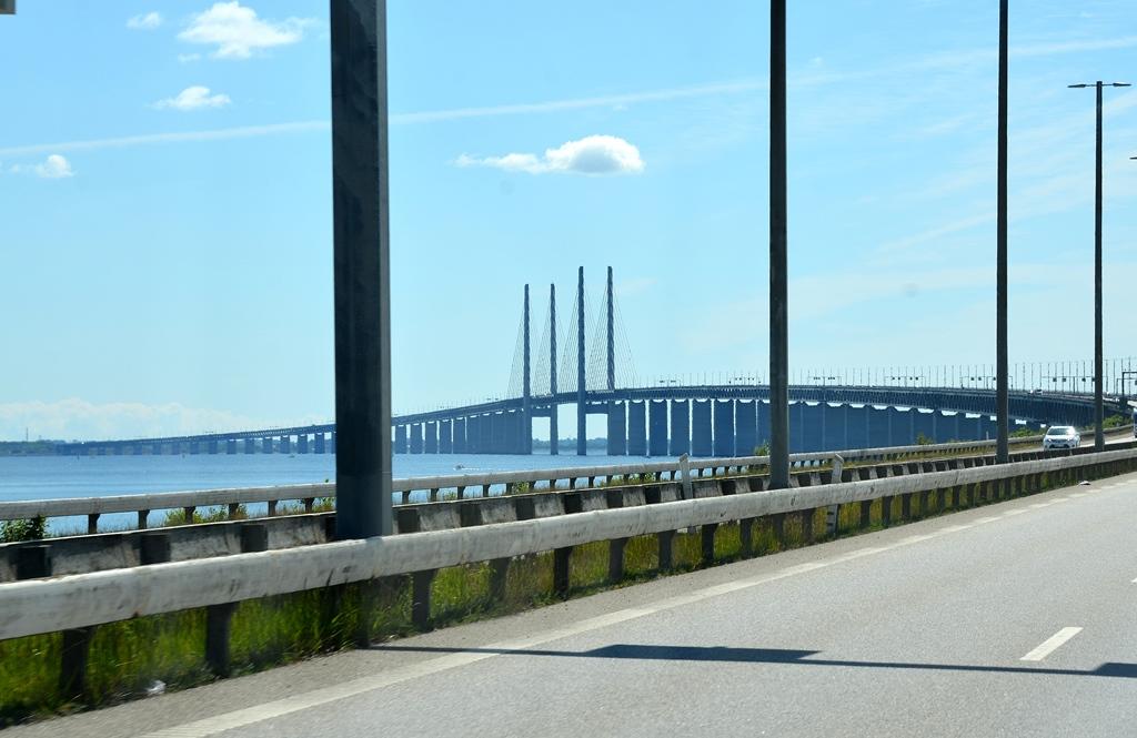 ...und nun über die grosse Brücke