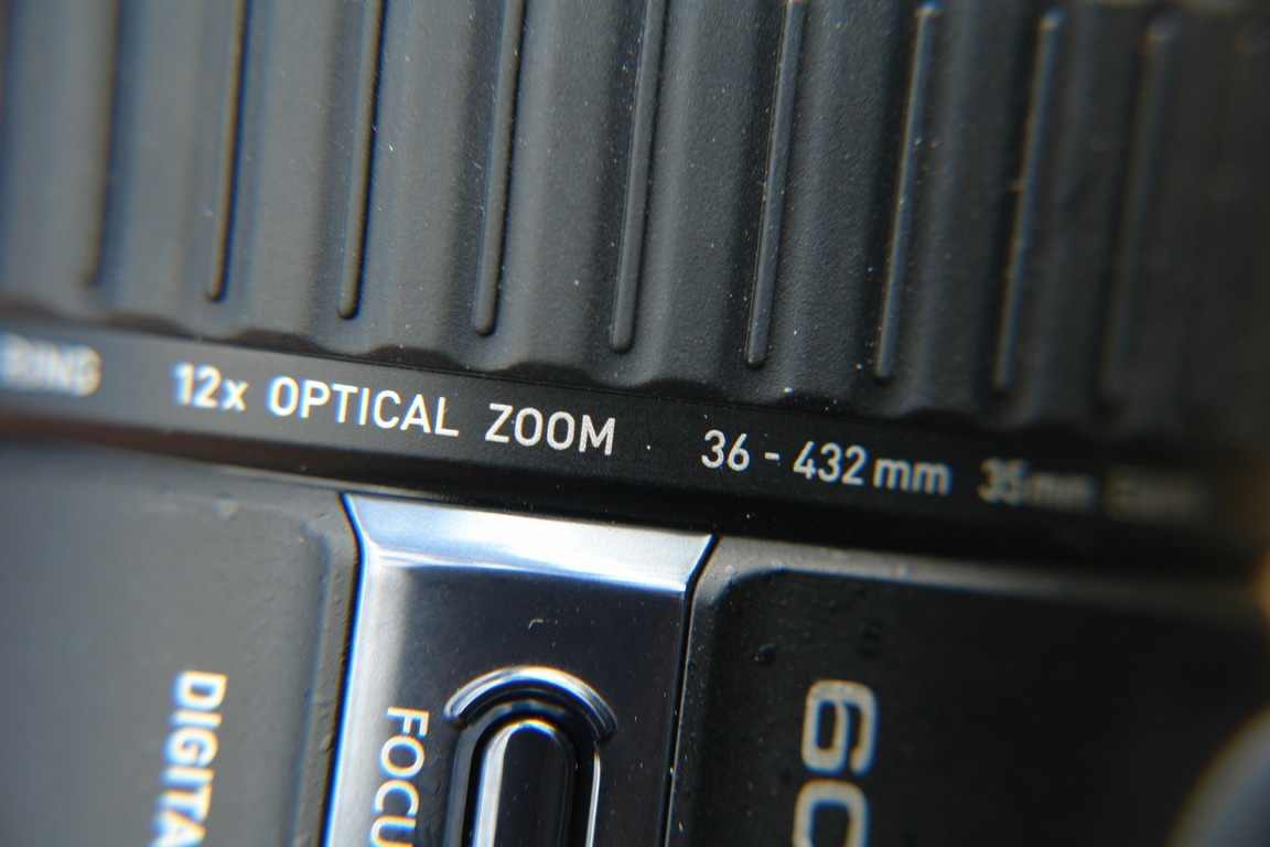 Einstellrad des Objektivs: wahlweise für Fokus / Brennweite / Geschwindigkeit