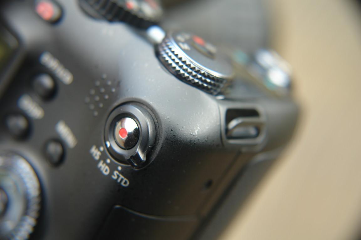 Video-Auslöser mit Umschalter der 3 Modi: Standard (rechts), HD (Mitte) und HighSpeed (links)