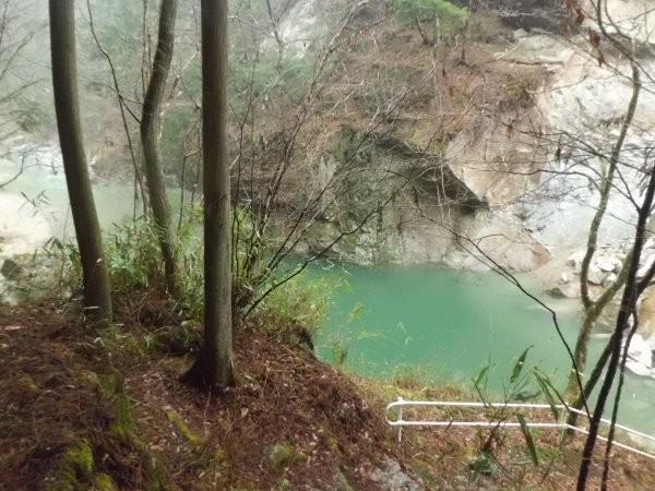 滝が水没してます