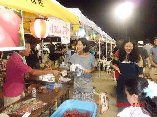 上矢作夏祭りにて、上矢作トマト組合初の、出店です