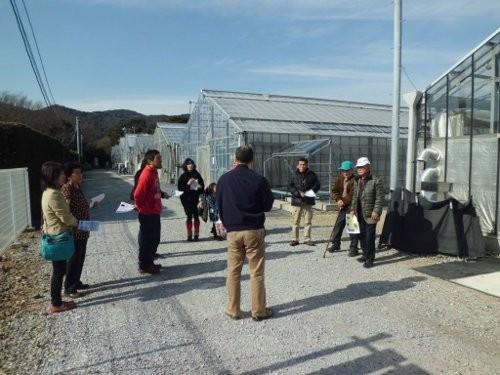 イシグロ農材の試験農場にて