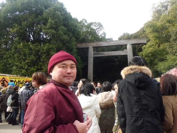 熱田神宮前にて