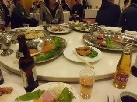 懇親会のテーブルの様子