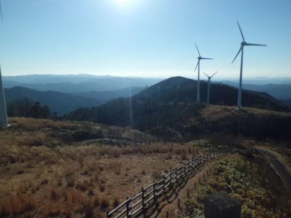 元大船牧場の風力発電所より、知多方面を望む・・