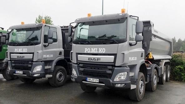   Schüttguttransporte: Vier-Achser-Fahrzeuge für Schüttguttransporte (Fertigertauglich)