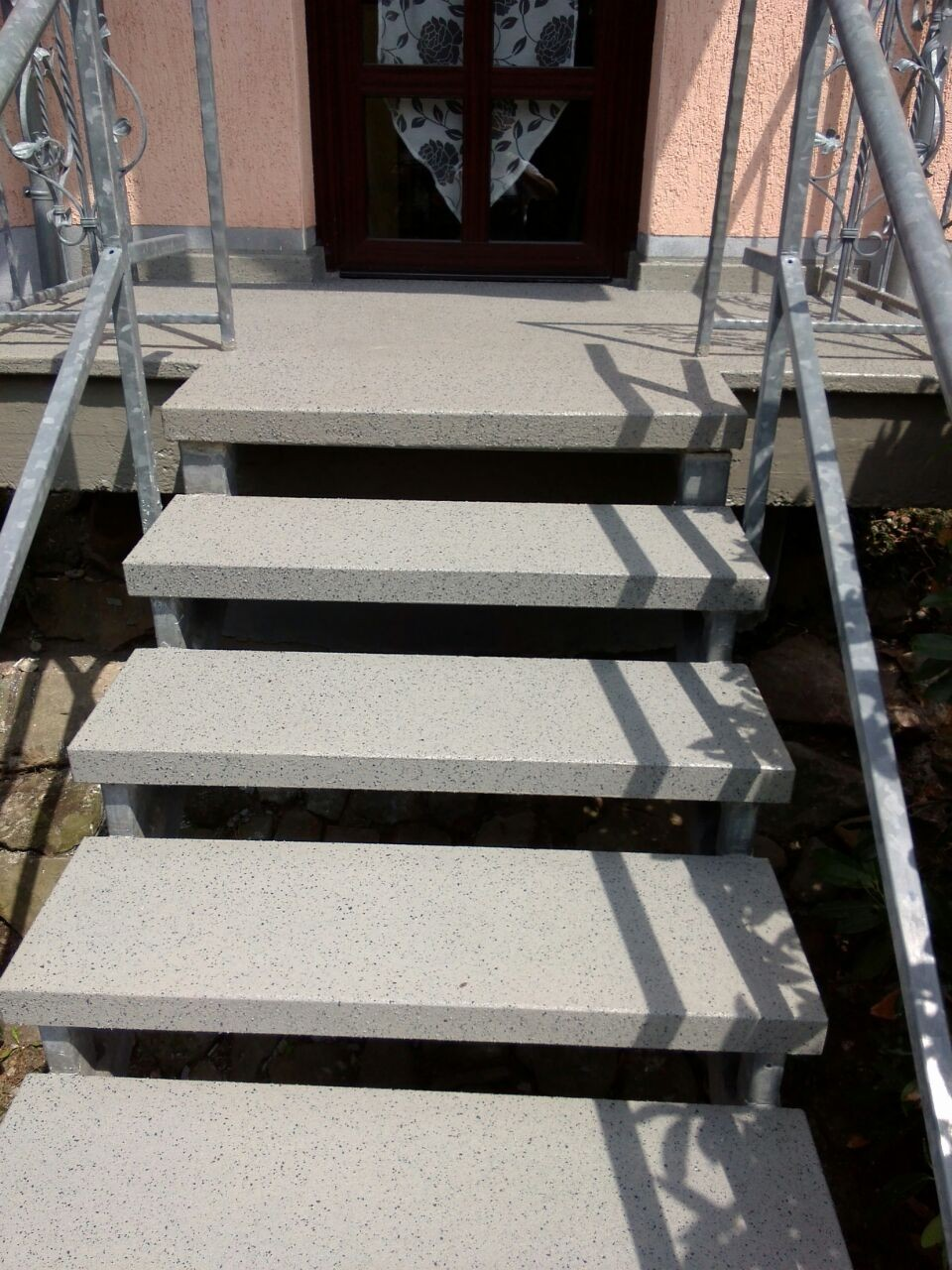 Beschichtung Westwood auf freistehender Treppenanlage