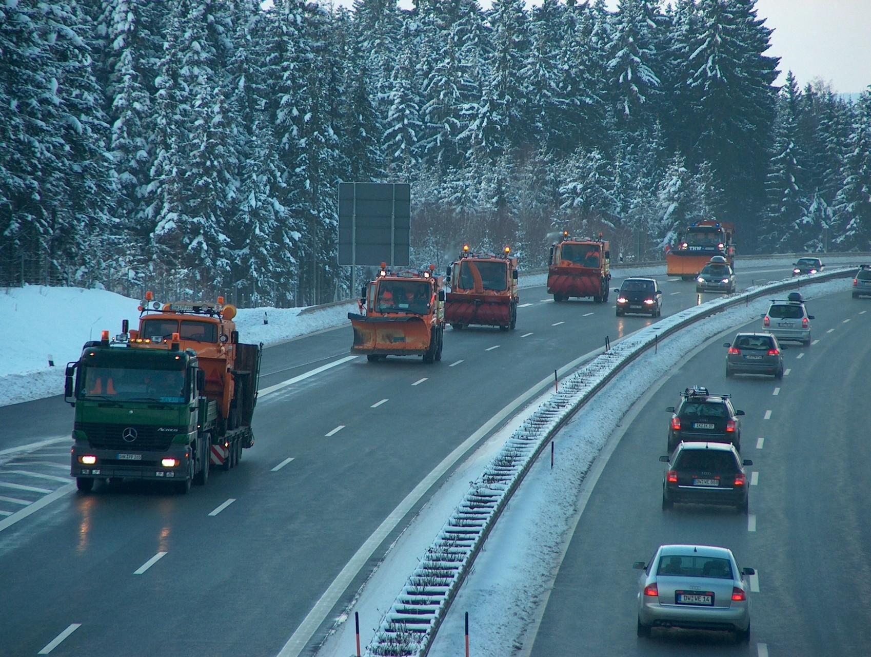 Straßenwinterdienst auf Autobahnen, Landes- und Bundesstraßen