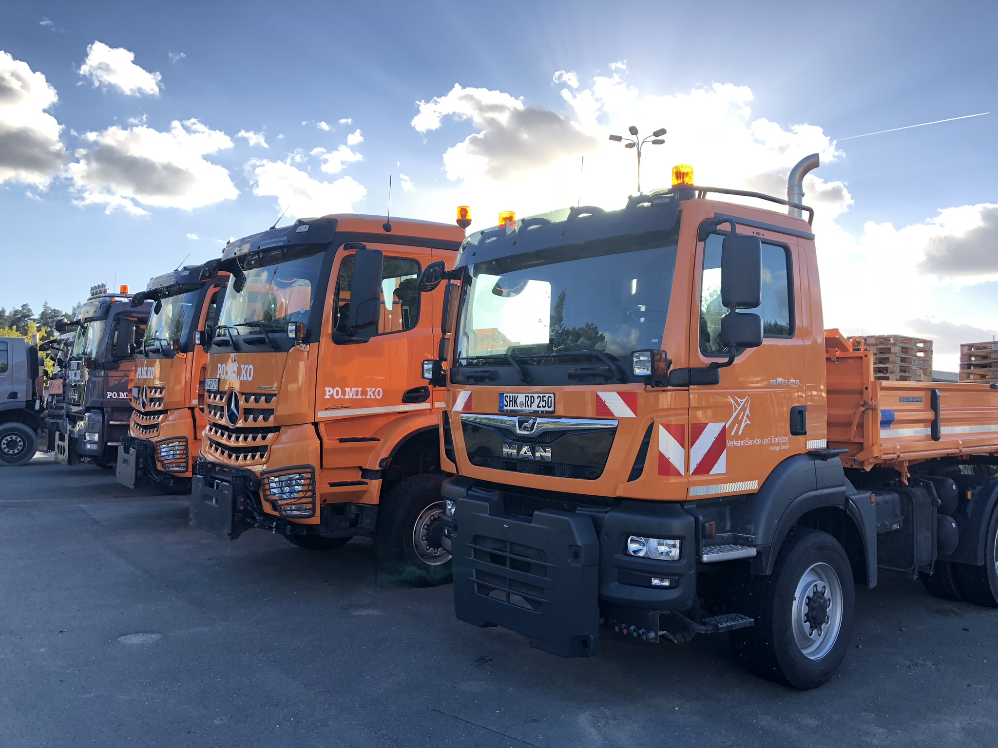 Schüttguttransporte: Zwei-Achser-Allrad-Kipper