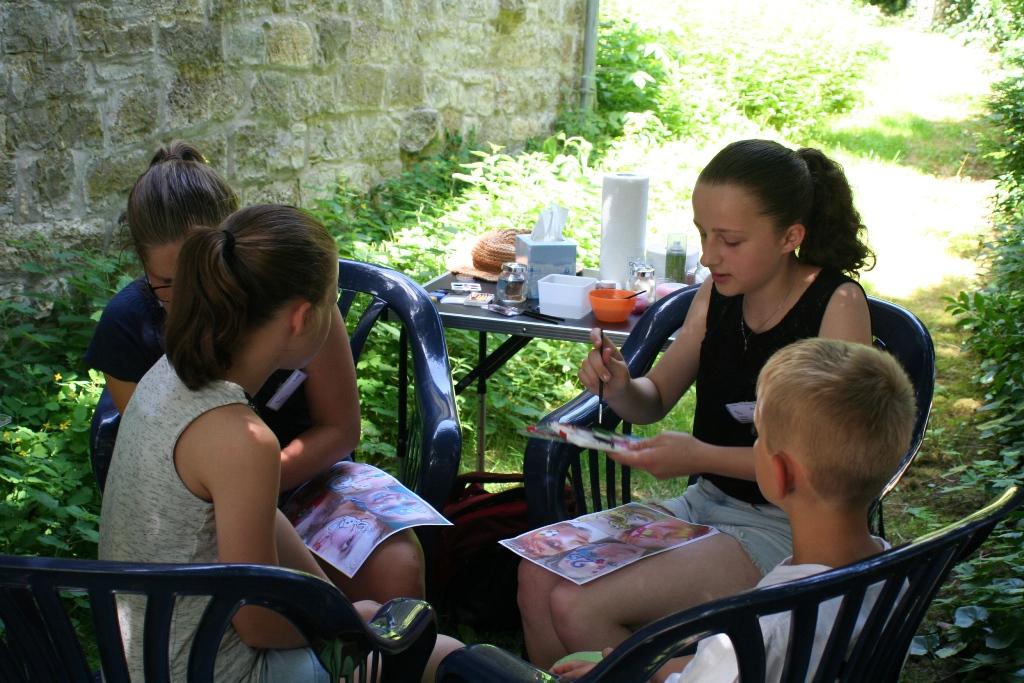 Das Kinderschminken war sehr gefragt bei den Kindern.