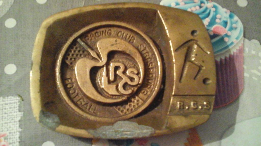 Cendrier en fonte avec logo et signe R.C.S. années 1970 ou 1980