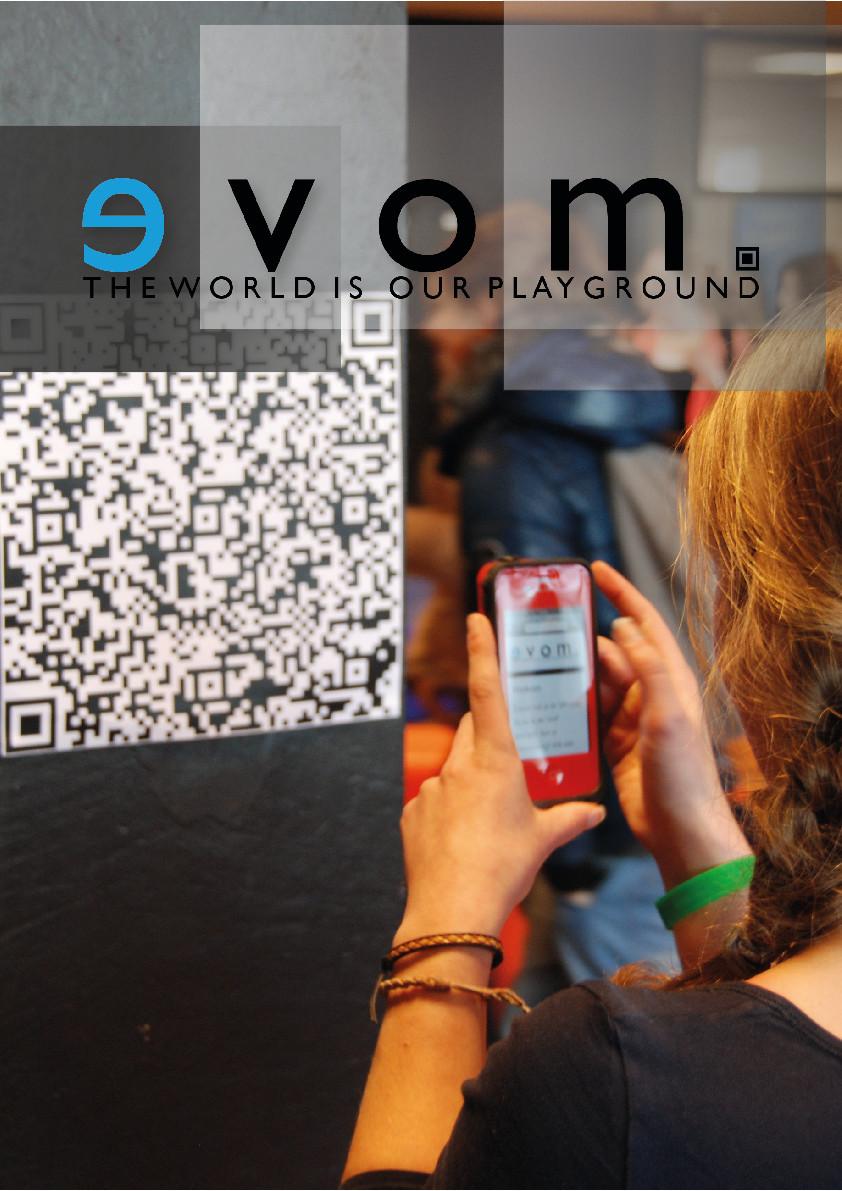 QR-codes in fysieke wereld zoeken en scannen om stappen te maken in een online speurtocht