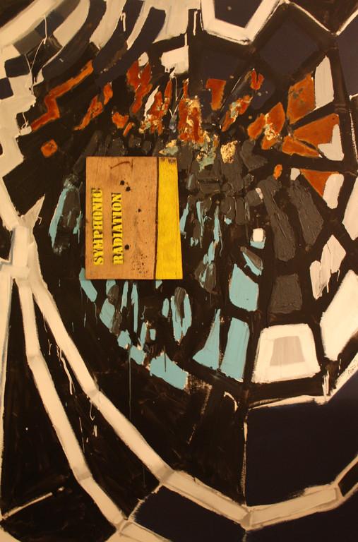 Symphomic radiation 2011, Acryl, Lack, Blattgold, Rost, Holz auf Leinwand, 1,5 x 1 m