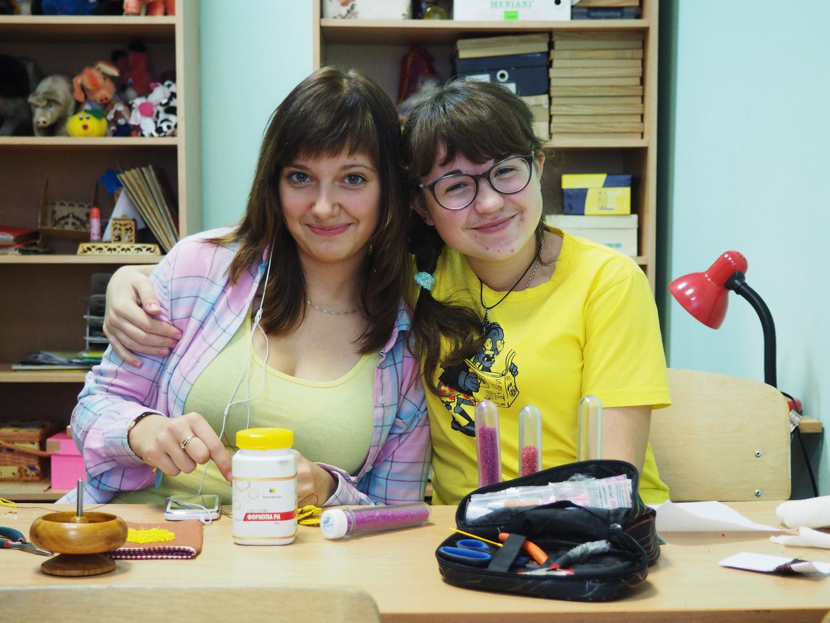 Ксюша и Настя