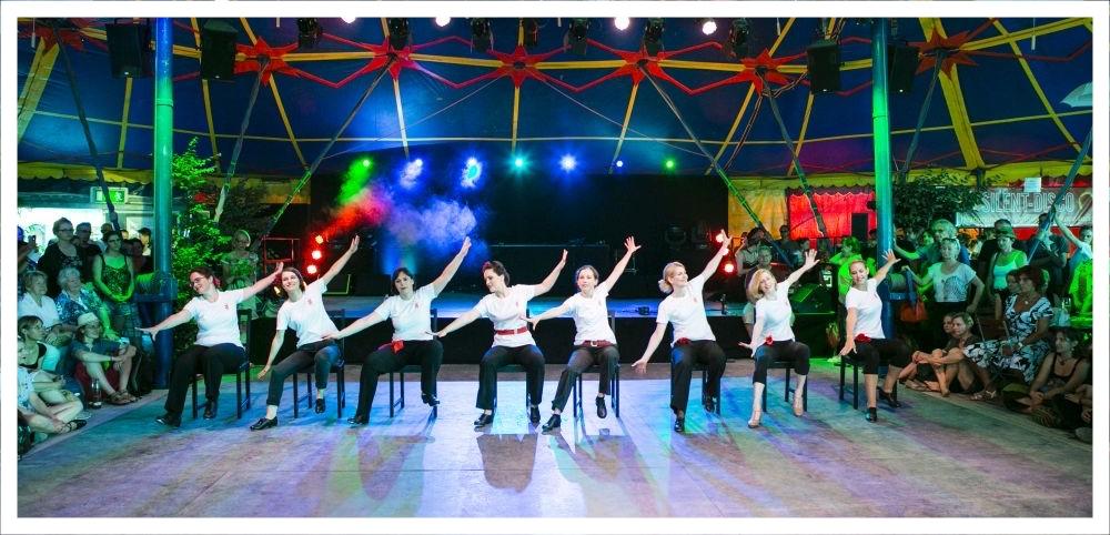 Steptanzschule München Vintage Dance Studio, Tollwood Festival, Tanzstudio-Show, Tanzschule, Tanzstudio-Show, Steppen lernen, Steptanzlehrer, Steptanzschüler, Silvia Plankl