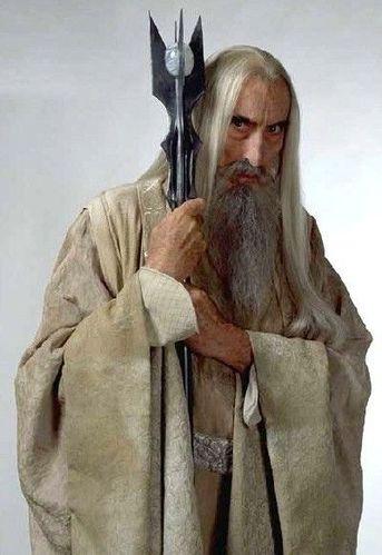 Leider nicht mehr dabei: Aus Altersgründen verstorben (Christopher Lee). Wegen charakterlicher Defizite verstorben (Saruman).