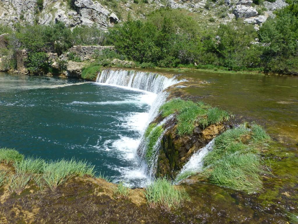 an den Wasserfällen der Zrmanja