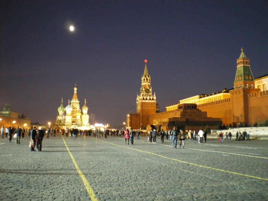 ...im Hintergrund die Basilius Kathedrale