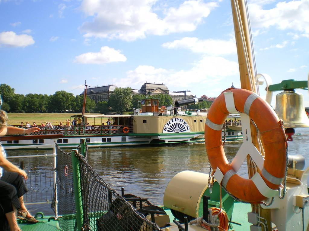 """die """"Krippen"""" alias """"Dogfish"""" hat Karl May als Vorbild im Schatz im Silbersee genommen ist seit 1892 auf der Elbe im Einsatz"""