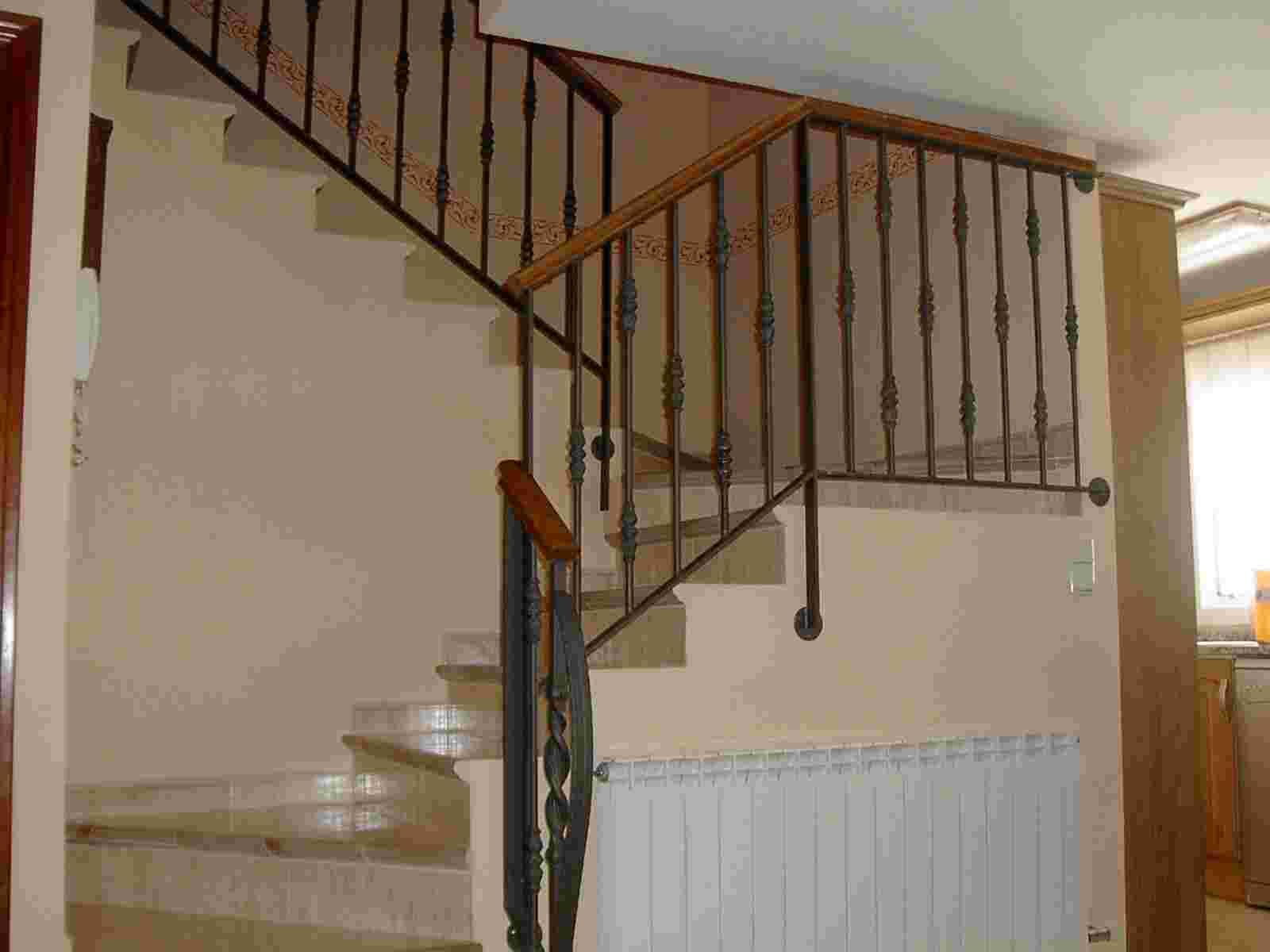 Barandillas De Forja Para Escaleras De Interior Excellent Gallery  ~ Barandas De Escaleras Interiores