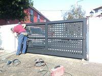 Construimos toda clase de puertas personalizadas, estándar y a medida.