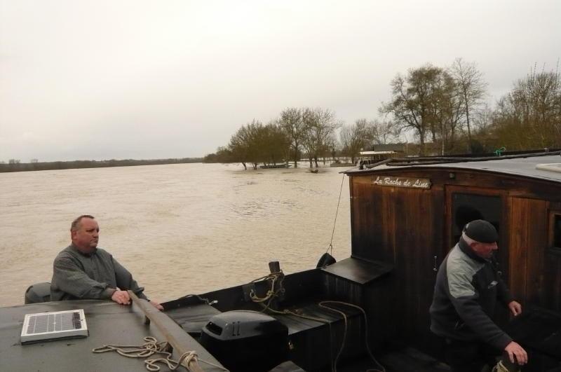 Visite des bateaux avec Philippe, Freddy, Christian, Moîse, Guy et moi