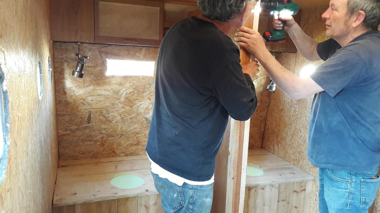 Philippe et Alain transforme l'intérieur en WC