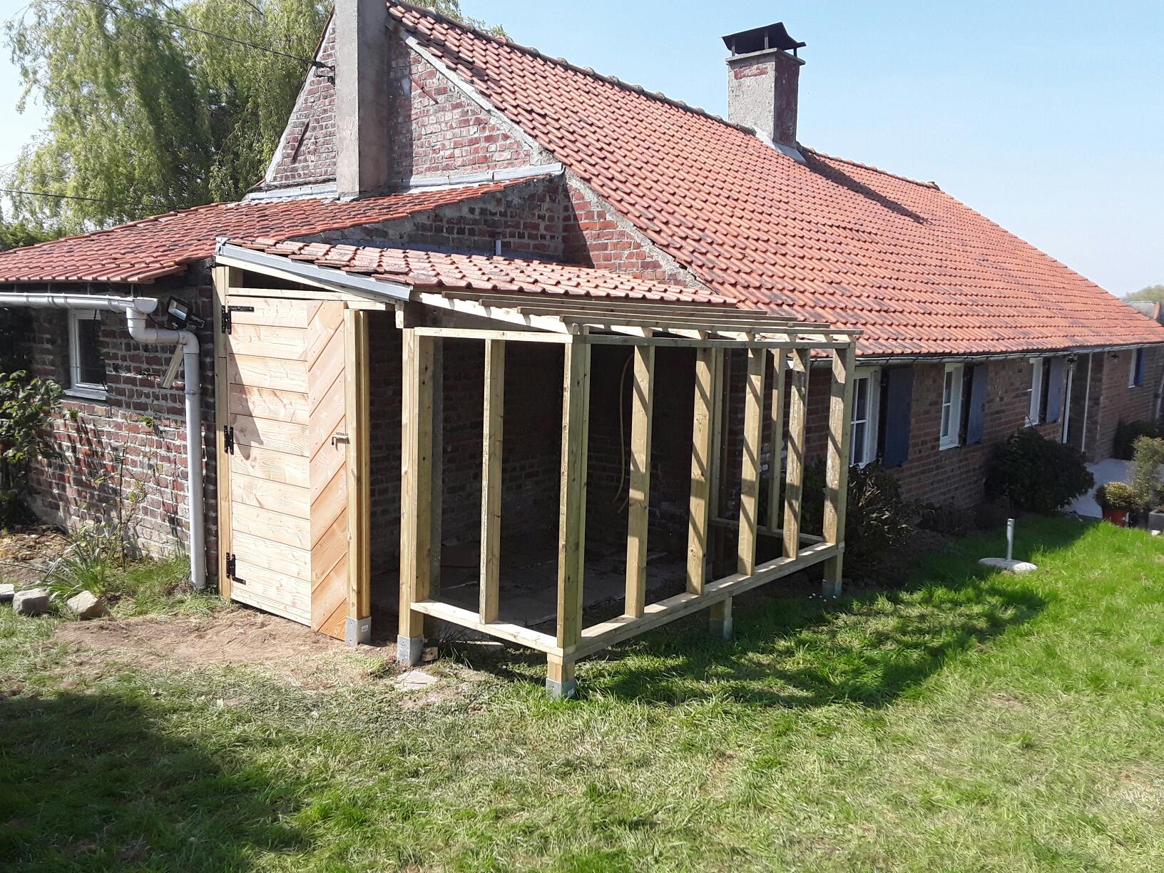 Structure chalet de jardin (ossature bois sur pilotis)