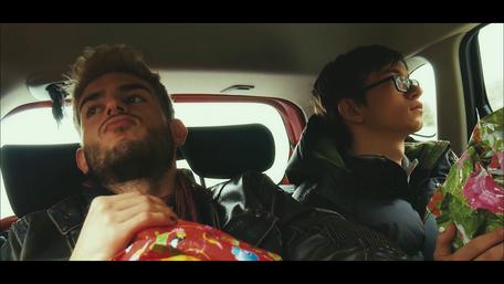 ...bringen die Filmfans Nick und Daniel sie einfach um...
