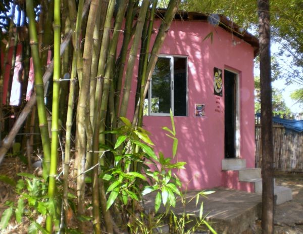Kleines laendliches Restaurant an der beruehmten Bambusallee in Jamaica