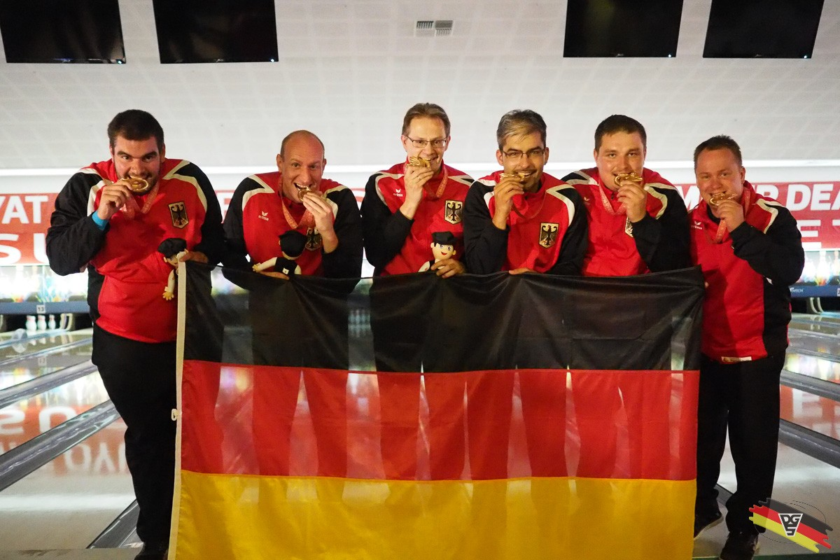 GOLD im Herren Team mit Thomas & Kevin