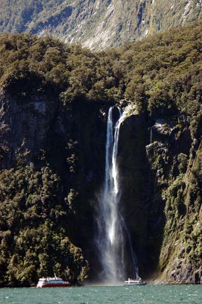 Milford Sound - East Coast - South Island - New Zealand