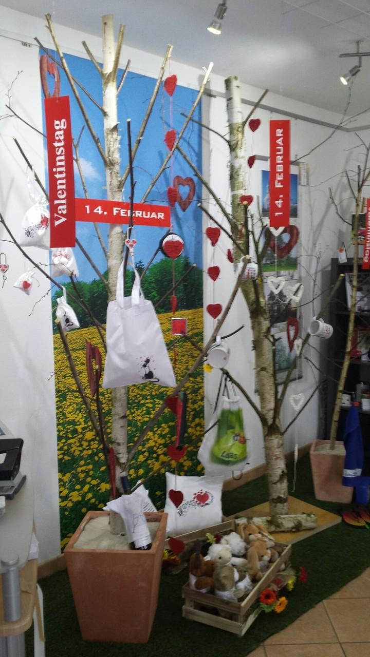 In unserer Ausstellung finden Sie viele, liebevoll gestaltete Geschenke