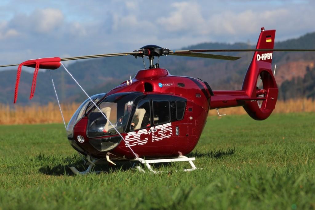 Roberts Vario EC135 1:7, 1,56m Rotorkreis und 7,5Kg Abfluggewicht