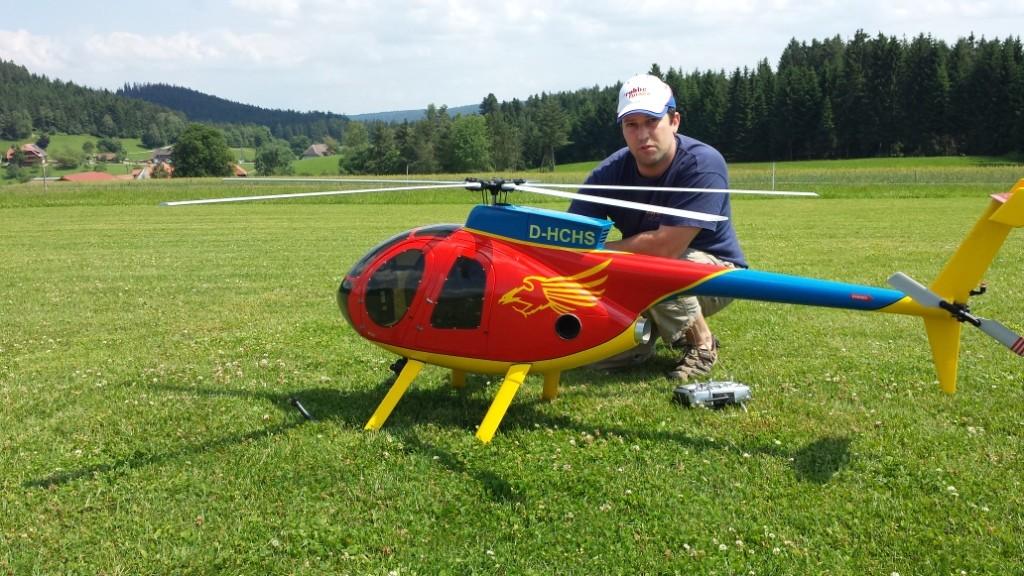 Bernds Vario Hughes 500 mit 5 Blatt 2,0m Hauptrotor, ca 15 kg mit Jet CAt PHT 3 Turbine