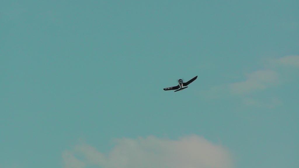 Roberts Corsair F4U