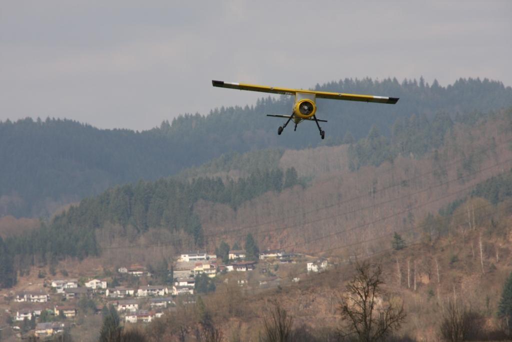 Armins Anflug seiner Wilga zur Landung