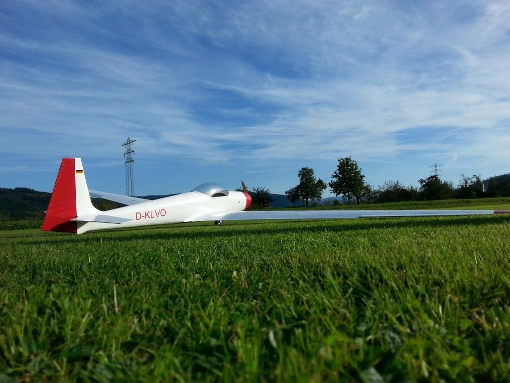 Maikels ASK14 mit 5,72m Spannweite, 15,2Kg Abfluggewicht, 10S Antrieb
