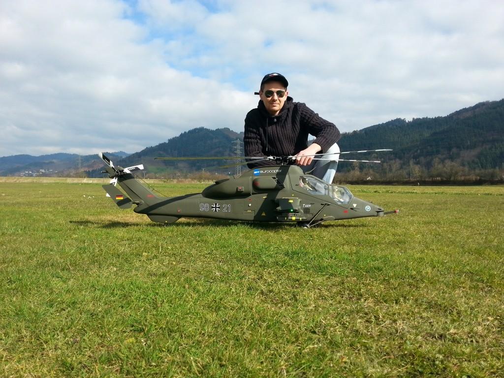 Robert und seine EC 665 Tiger, 1,60m Rotorkreis, 1,76m Rumpflänge und 8Kg Abfluggewicht
