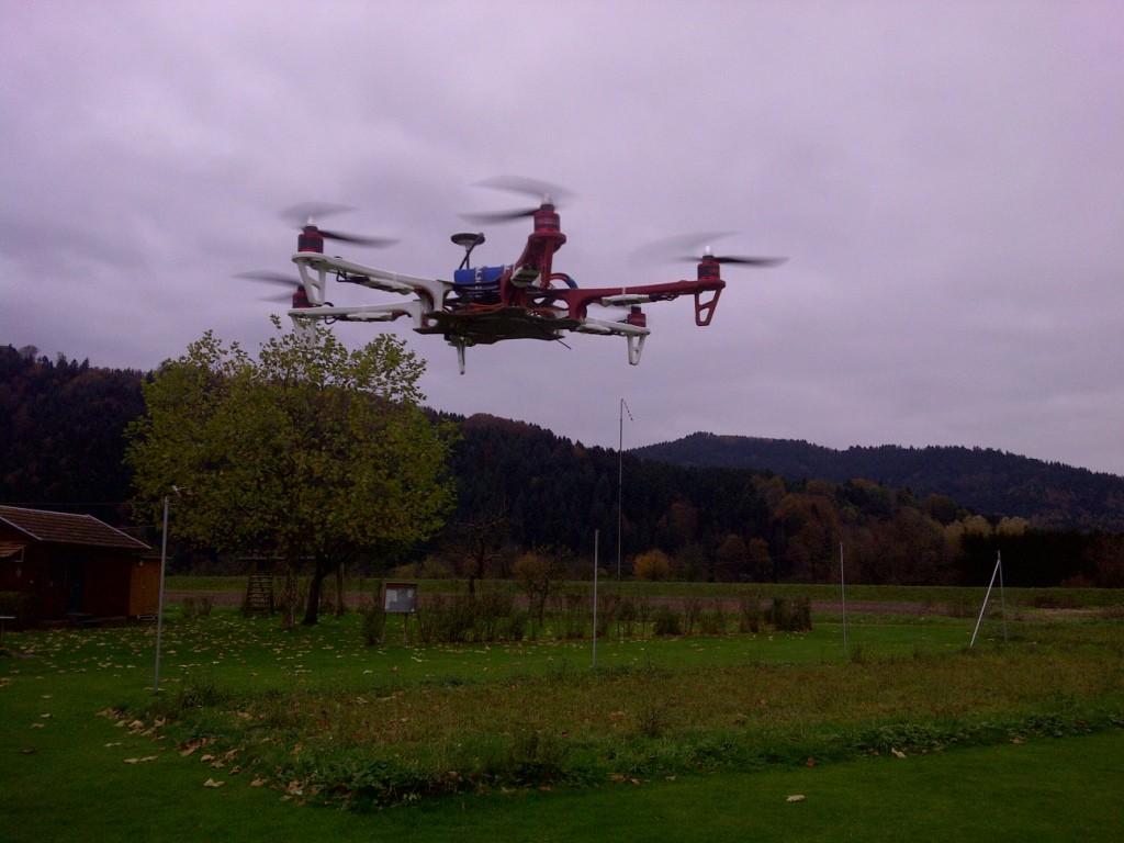 Franz sein Hexocopter beim Erstflug