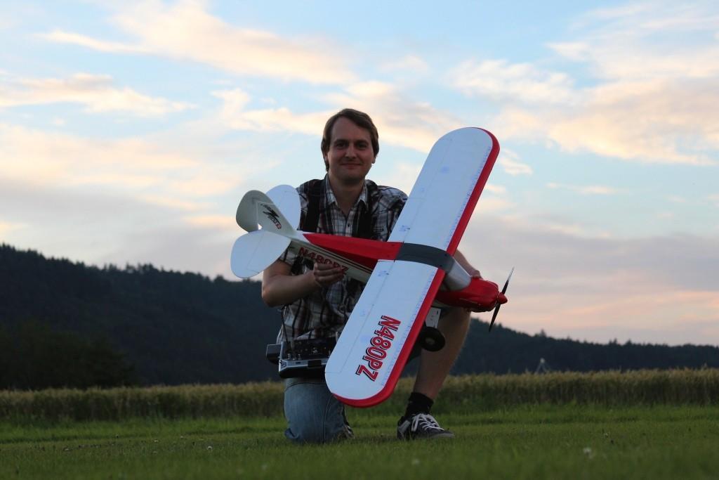 Daniel und seine Sport Cup von Horizon / Parkzone. :)